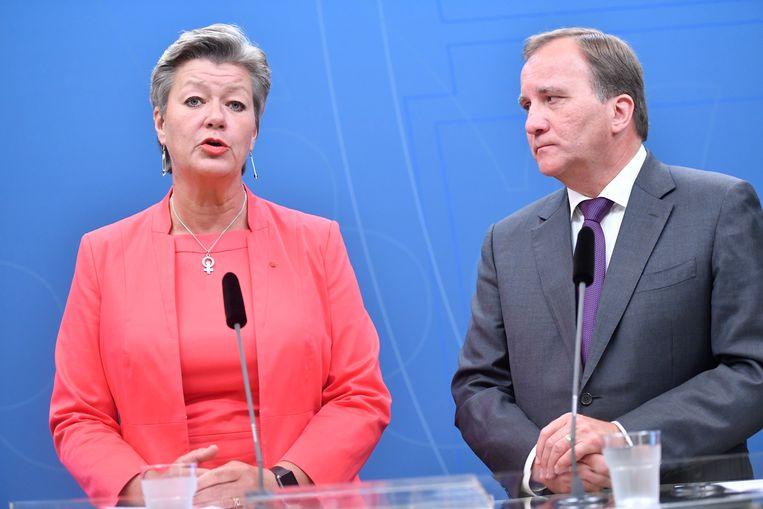 Huidig minister van Werk Ylva Johansson en de Zweedse premier Stefan Löfven in Stockholm.