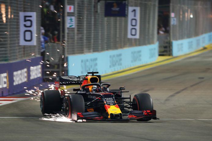 Verstappen in actie tijdens de kwalificatie in Singapore.