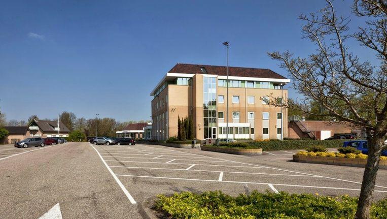 Het strijdtoneel: partycentrum De Zoete Inval. Beeld Google Streetview