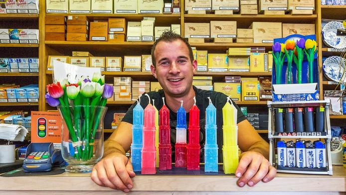 Leon de Groot verkocht de Domkaarsen van Ruud Snel. Nu verkoopt hij kaarsen die hij zelf maakt