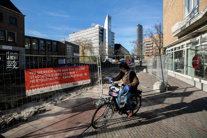 Werkzaamheden aan de Vestdijk in het centrum van Eindhoven.