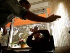 OM eist 100 uur taakstraf voor Winterswijker die vader schopte en sloeg