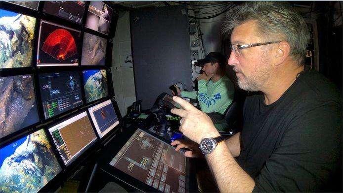 Taylor en zijn team vonden de Grayback met behulp van beelden van een onderwaterdrone.