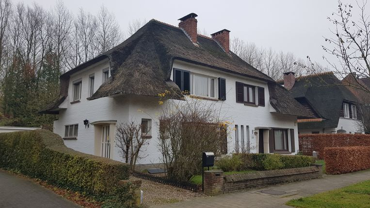 Het 93-jarige slachtoffer Simonne B. woont alleen in deze woning in de Graaf de Fienneslaan.