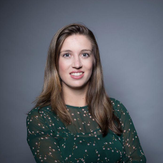 Elisa van Bruggen (25) werkt als accountant bij Ernst & Young (EY)