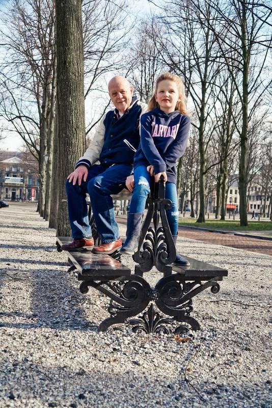 Opa Leo met kleindochter Rachel