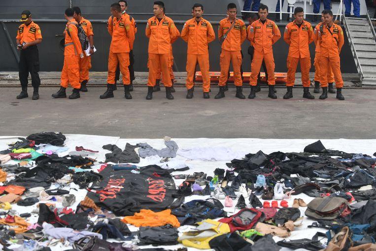 Teruggevonden persoonlijke voorwerpen van de mensen die aan boord van de gecrashte vlucht JT 610 zaten.