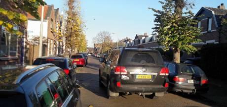 Ploegstraat wordt nu echt veel te krap: bewoners willen eenrichtingsverkeer