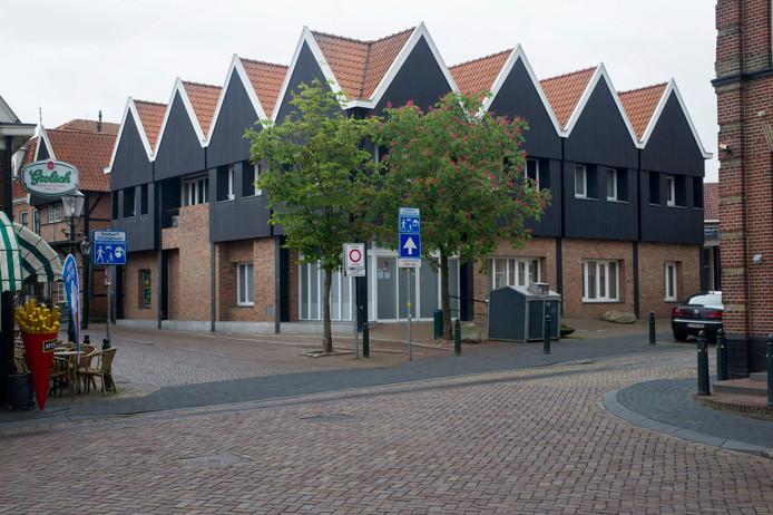 De oude Rabobank op de hoek van de Marktstraat en Westwal