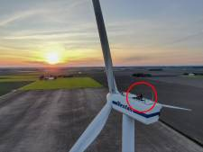 'Magisch!' Zwolse dj Ronald draait bovenop windmolen van 70 (!) meter hoog