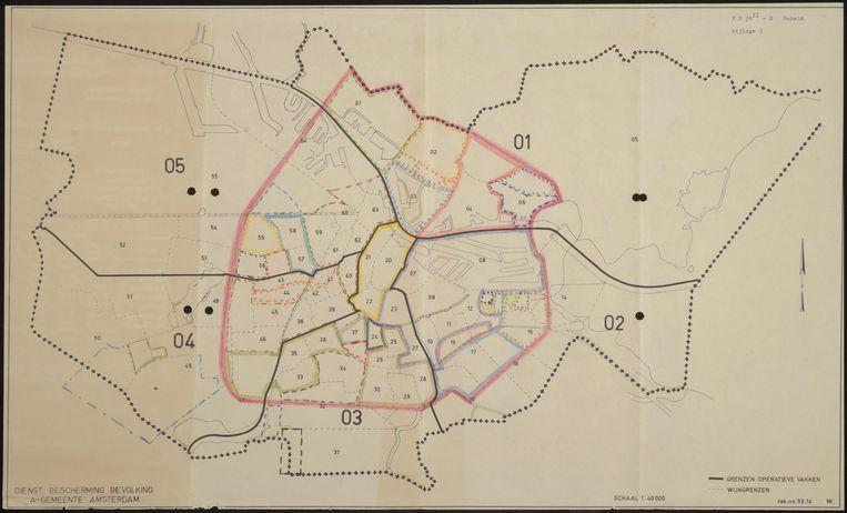 Evacuatiekaart uit 1963. De kleur van een stadsdeel gaf aan waarheen de bewoners zouden kunnen vertrekken. Beeld Stadsarchief