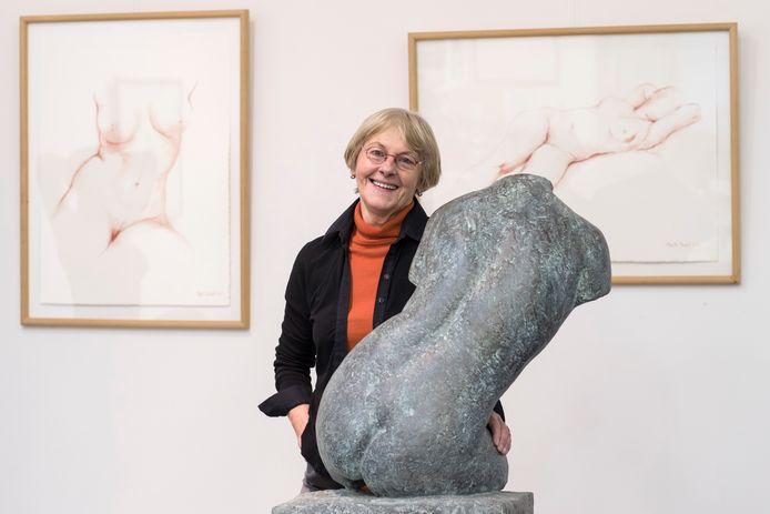 Kunstenaresse Maïté Duval in haar atelier. Ze werd geboren in 1944 en overleed afgelopen zaterdag.