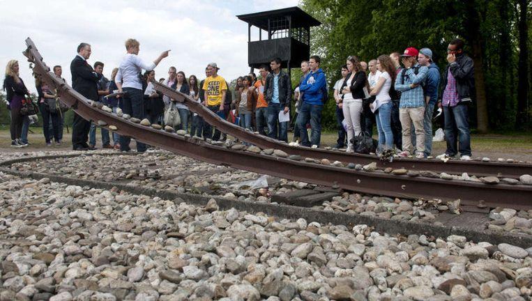 Scholieren bezoeken herinneringscentrum Kamp Westerbork. Breivik moest niets van dit soort lessen hebben. ©ANP Beeld
