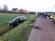 17-jarige rijdt fietsers aan in Wagenberg, bestuurder aangehouden