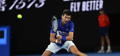Djokovic rekent af met Medvedev en staat in kwartfinale