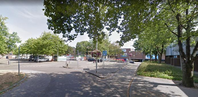 De parkeerplaatsen rond de Albert Heijn in Nijmegen Dukenburg.