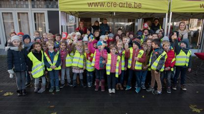 3de leerjaar zamelt 1.000 euro in voor Rode Neuzen Dag