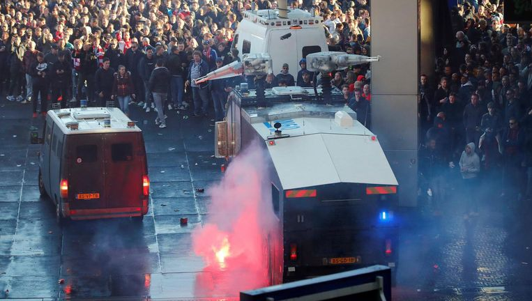 De politie moet optreden Beeld Reuters