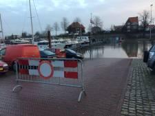 Opgelet: het water stijgt weer, dus niet parkeren langs de Waal in Zaltbommel