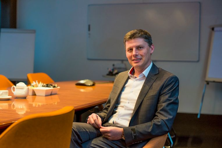 Stijn is IT-directeur bij badkamerspecialist Van Marcke en op zoek naar verschillende IT-profielen.