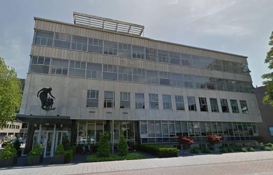 Het voormalige Levob-kantoor op de hoek van de Zonnehof en de Utrechtseweg.