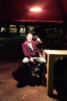 Rene (52) sliep op de Brink voor eerste kortingsbon El Popo: 'Traditie gaat nu verloren'
