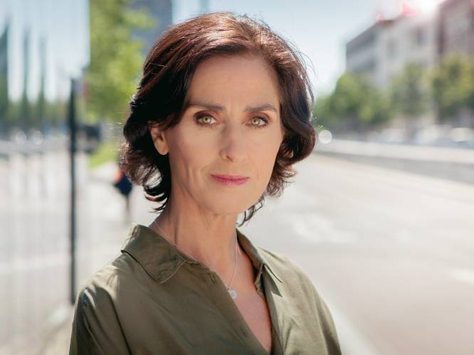 """Actrice Monika Van Lierde onthult: """"Vroeger was de alcohol in 'Thuis' écht"""""""