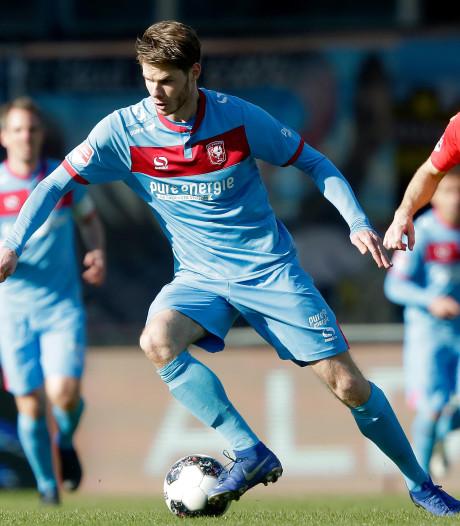 Blooper Verhulst nekt Go Ahead Eagles tegen FC Twente