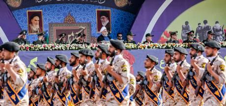 Iran rolt met spierballen én komt met vredesplan