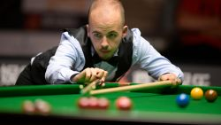 Luca Brecel walst over Chinees Niu Zhuang op English Open snooker