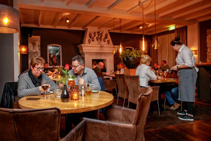 Een diner bij het brandende haardvuur; klassieke uitstraling bij Het Landgoed.
