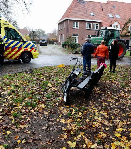 Snorfietser gewond aan enkel bij aanrijding in Mill