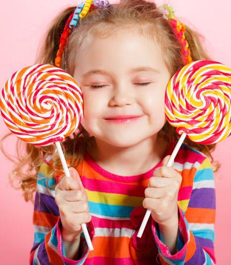 Dit is waarom baby's zo enthousiast reageren als ze voor het eerst fruit proeven
