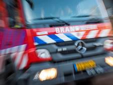 Brand onder dak woning Wierden