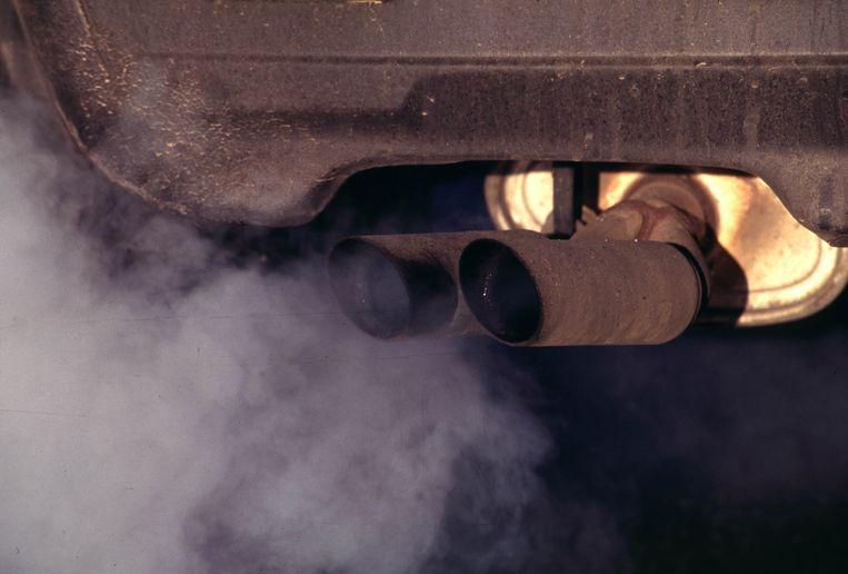 Het wagenpark van de Vlaamse overheid is vervuilender dan dat van de Vlaming. In 2016 was bijna 59% van de wagens in Vlaanderen een diesel, maar bij de Vlaamse overheid ligt dat aandeel nog op 65,5%.