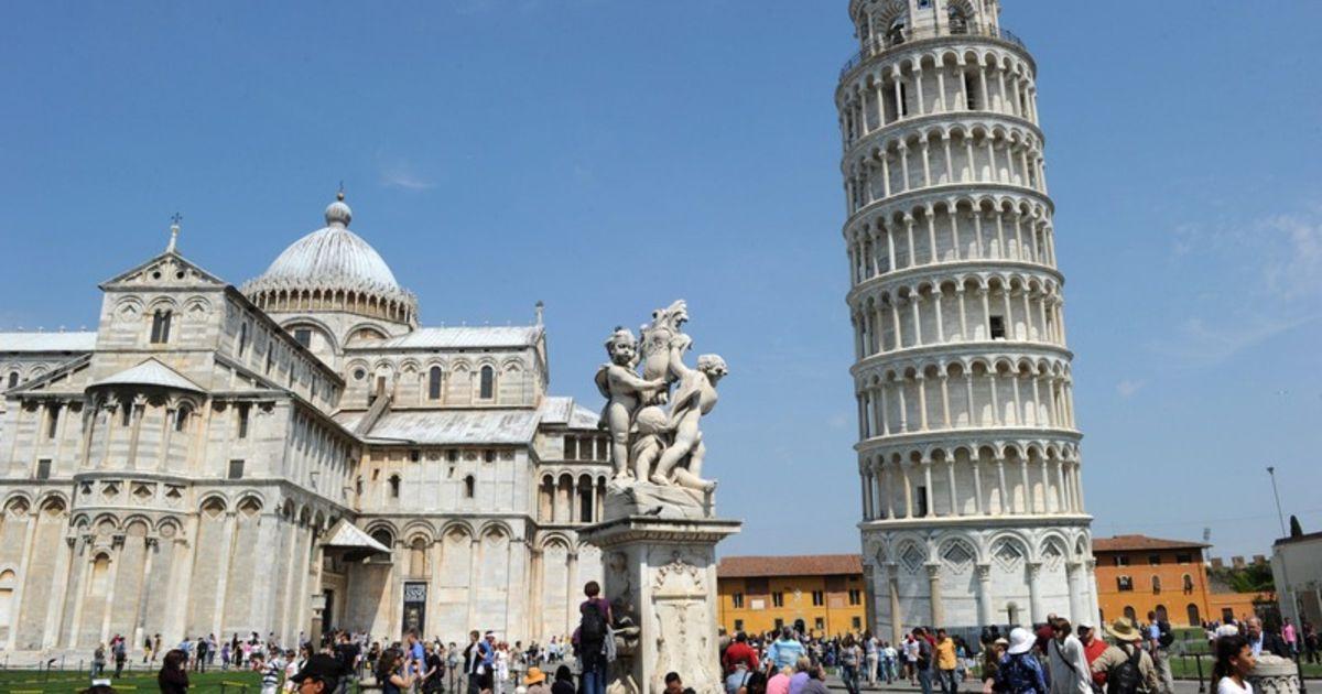 Ontwerper Toren Van Pisa.Nederlander Springt Te Pletter Van Toren Van Pisa Magazine De Morgen