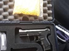 Twee tieners aangehouden voor gewapende straatroof in Arnhem