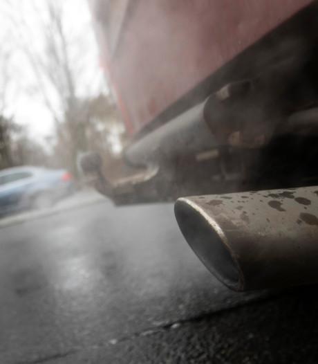 Oude auto's zijn verantwoordelijk voor 35 procent van de stikstofuitstoot in het verkeer