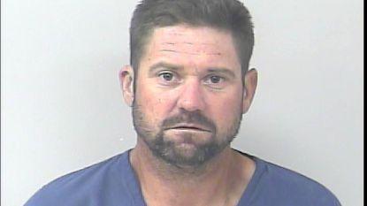 Minuten na zijn vrijlating wordt man op parking van gevangenis gepakt voor inbraak in auto's