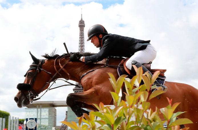 Harrie Smolders in actie in Parijs.