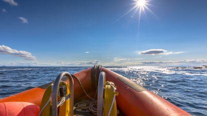 Motorboot vaart haven binnen met dode man en drie gewonden aan boord