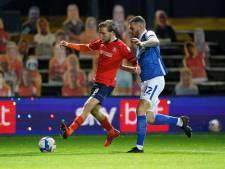 Fans terug in Engelse stadions: geen omhelzingen, rustig juichen
