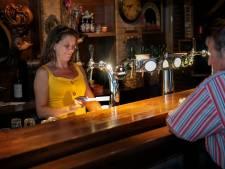 Gezichten van de horeca: biertje en luisterend oor voor de gasten van de Dommelstroom