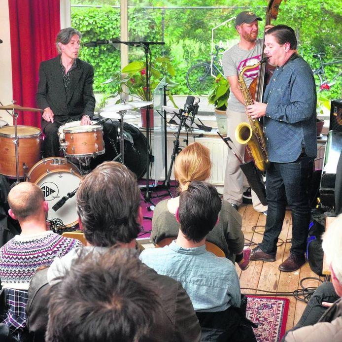 Het Mete Erker Trio in Stella by Starlight tijdens de opnames voor 'Mete Erker Trio Live'. Foto Gerard Burgers