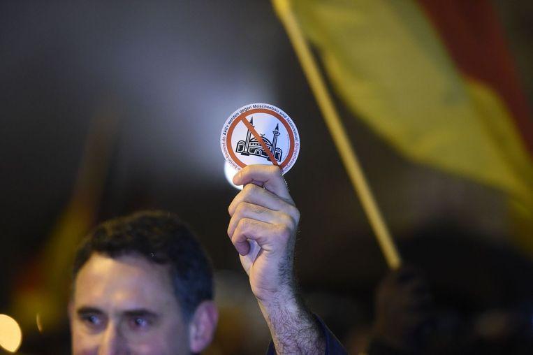 Een PEGIDA-demonstrant in Berlijn. Beeld ANP