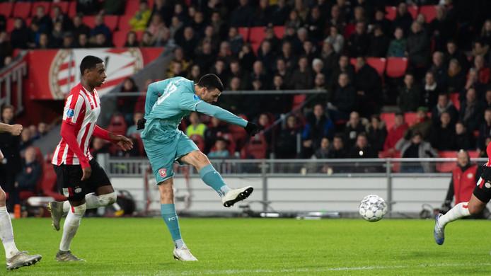 Vuckic haalt uit voor zijn treffer tegen PSV.