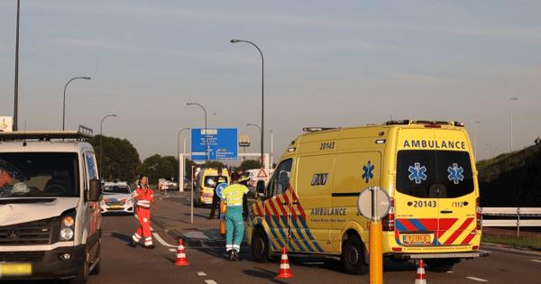 Fietser uit Geertruidenberg overleden na aanrijding in Waalwijk.