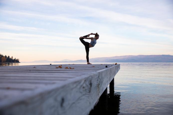 Les accidents liés au yoga sont de plus en plus nombreux.