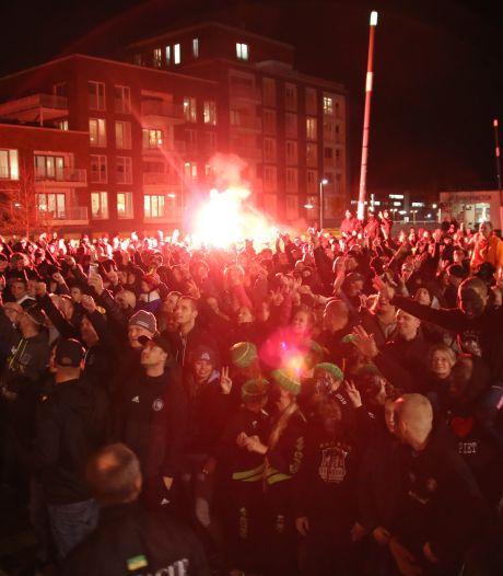 Honderden actievoerders komen op voor 'pikzwarte' piet: 'Van onze tradities blijf je af'