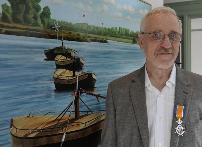 Leendert van der Pool begon 35 jaar geleden met schilderen. Hij heeft sinds die tijd exposities gehad over heel de wereld. Hij werkt in een superrealistische stijl die in Nederland maar weinig wordt gewaardeerd. foto Ruben Oreel